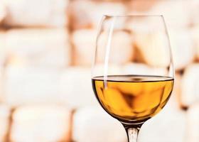 copo com vinho branco