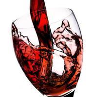 derramar vinho tinto