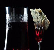 queijo e vinho tinto