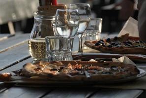 pizza e vinho foto