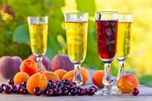 vinho doce e frutas