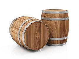 grupo de barris de madeira isolado no fundo branco foto