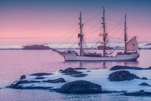 veleiro na antártica