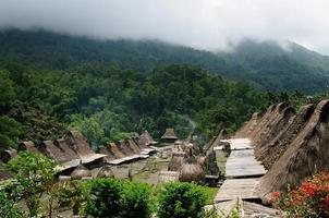 aldeia étnica na indonésia foto