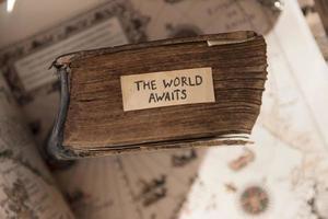 o mundo aguarda ideia