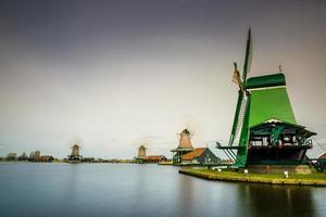moinho de vento da Holanda foto