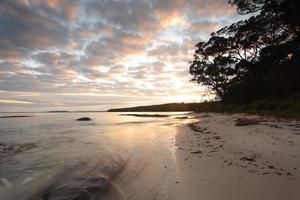 manhã serena em rochas escocesas