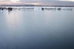 zona de pesca espumosa (i) foto