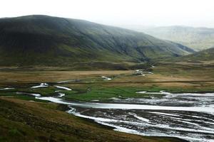 cadeia de rios na península de Snaefellsnes, oeste da Islândia