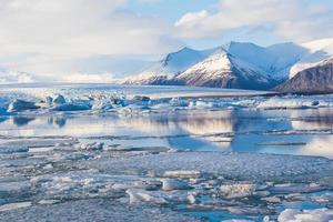 beleza da lagoa de Jokulsarlon na Islândia