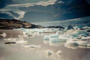 lagoa da geleira jokulsarlon no parque nacional vatnajokull, na Islândia