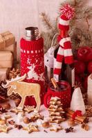 decorações de natal - biscoitos, maçãs, especiarias, vinho quente.
