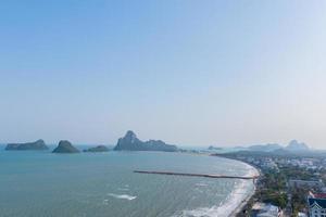 paisagem marítima aérea na Tailândia