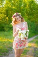 linda garota com flores