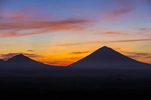 vulcão agung foto