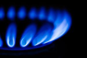chama azul no queimador de gás