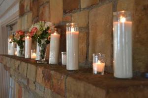 lareira iluminada por velas
