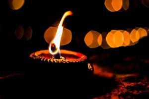 lâmpada no templo.