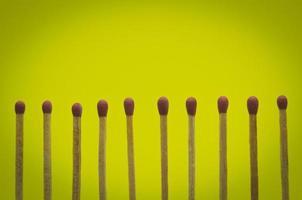 coincide com a configuração de fundo amarelo para ideias e inspiração