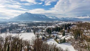 vista para o lado austríaco de untersberg, salzburg, áustria
