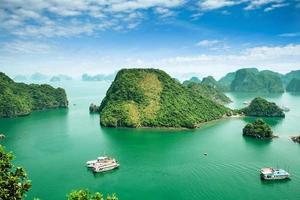 Baía de Halong, Vietnã.