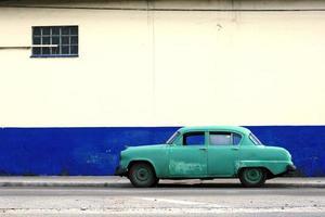 carro velho em havana, cuba foto