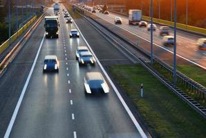 rodovia de acesso controlado em poznan, polônia foto