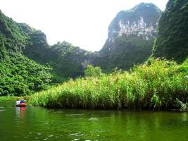 turistas não identificados em Trang an