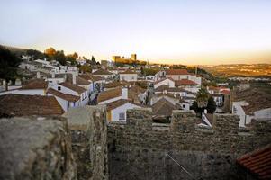 romântica vila medieval de óbidos ao pôr do sol