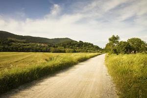caminho na zona rural da Toscana