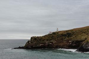 paisagem marinha de penhasco rochoso