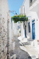 beco grego tradicional na ilha de Sifnos, grécia