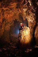 corredor da caverna gigante foto