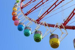 parque de carnaval roda gigante foto