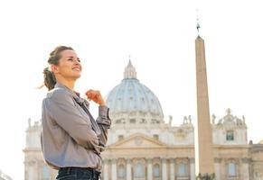 retrato de uma jovem em uma cidade-estado do Vaticano