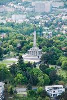 slavin - monumento memorial e cemitério em bratislava, eslováquia foto