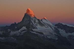 Matterhorn na primeira luz do sol