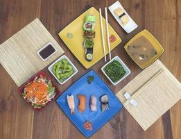 foto plana de comida japonesa
