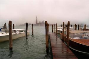 veneza com chuva