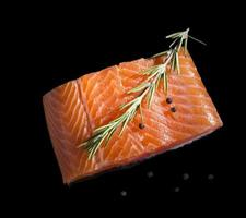 salmão cru.