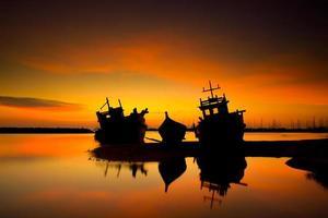 navio silhueta foto