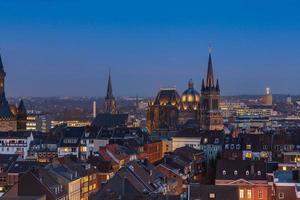 Catedral de Aachen (aachener dom) à noite