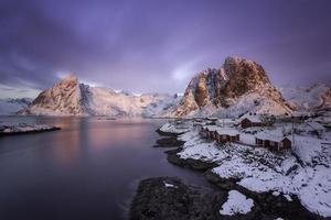 nascer do sol sobre a Noruega