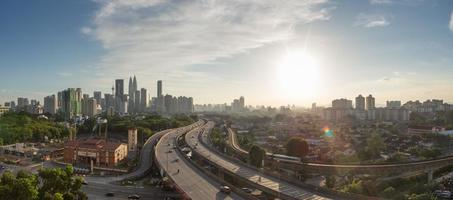 horizonte de Kuala Lumpur durante o dia