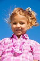 fechar retrato de menina em rosa