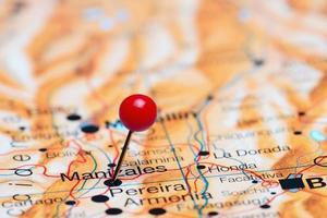 manizales fixado no mapa da américa foto