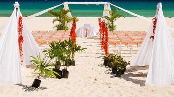 preparação de casamento na praia mexicana foto