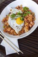arroz, camarão e ovo