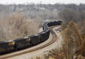 trem de carvão no inverno
