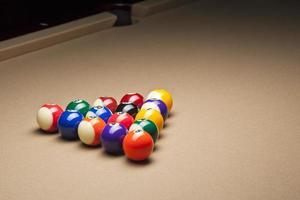 vista de bolas de bilhar na mesa de bilhar